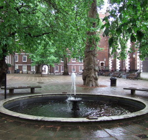 Fountain_Court_London